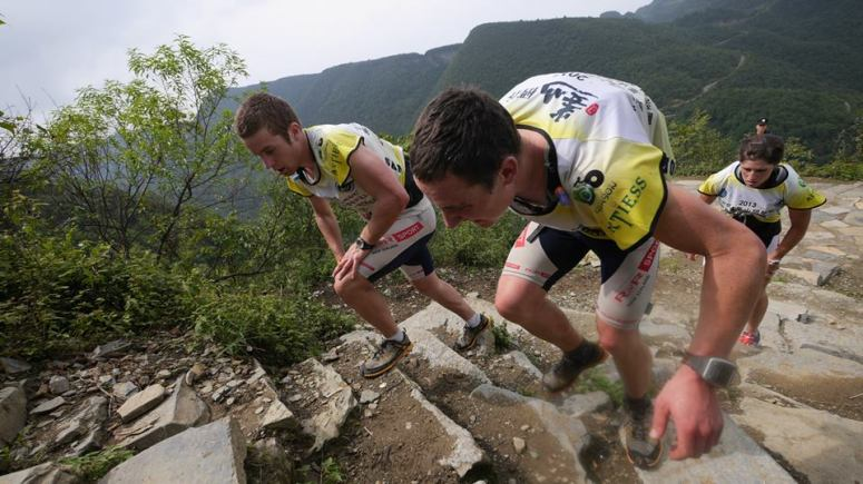 Running up the never ending steps in hot hot Zunyi 2013