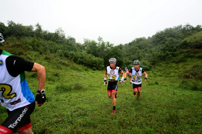 The team exits the trail section during first run of prologue