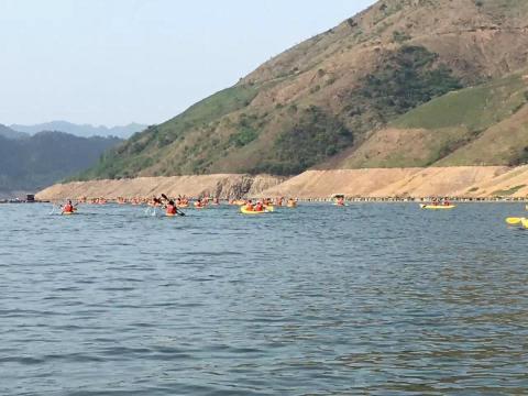 Day 2 kayak lake